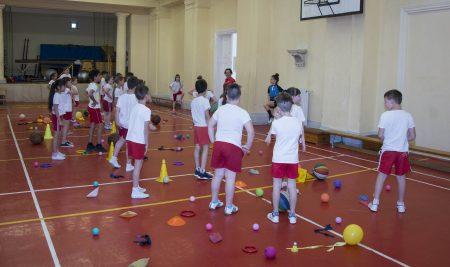 HANG-KÉZ-NYELVMŰVESSÉG alsó tagozatos iskolásoknak a Főiskola rendezésében